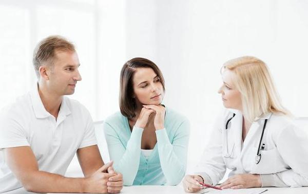 赴美做试管婴儿,大龄女性需要做几个周期才能成功?